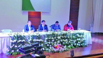 Ente paralelo al Colegio Médico de Bolivia recibe personería jurídica