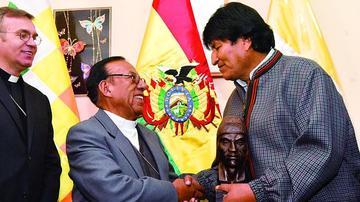 Morales acompañará a Ticona al Vaticano y se reunirá con el Papa