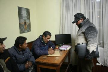 Solo Marco Pumari va tras la presidencia de la entidad cívica local