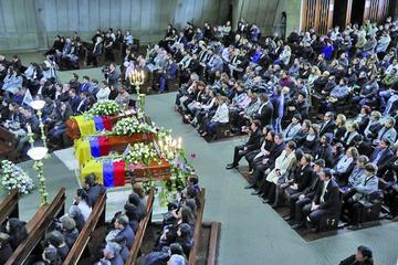 Ecuador despide al equipo de prensa asesinado en Colombia
