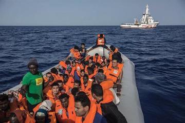 Patrullas libias interceptan 115 emigrantes que iban a Europa