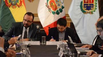 Perú compromete bajar tarifas en puerto de Ilo para carga de Bolivia