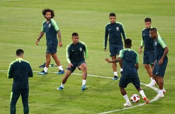Brasil y Bélgica buscan su pase a semifinales