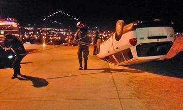 Un borracho  ocasiona un accidente y luego huye
