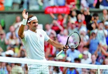 Federer da un paso más a su novena corona