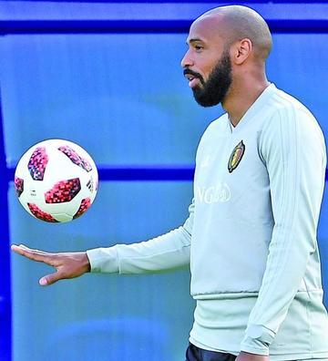 Thierry Henry, de ídolo a rival de Francia