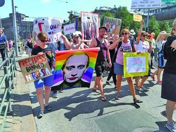 Protestan en Finlandia ante la cumbre entre Putin y Trump