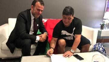 Maradona asume la presidencia de Dinamo