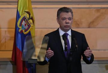 Santos busca sellar un cese al fuego verificable con el ELN