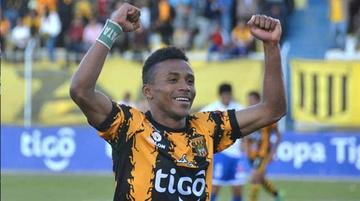 Ballivián reemplazará  a Ortiz en la defensa