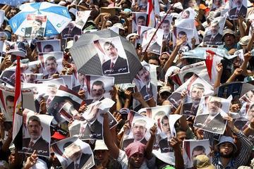 Juez condena a 75 islamistas egipcios a pena de muerte