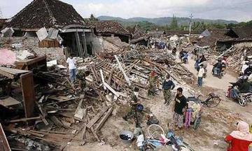 Terremoto en Indonesia causa 14 fallecidos y varios destrozos