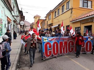 Cívicos desarrollan marcha de protesta en esta jornada