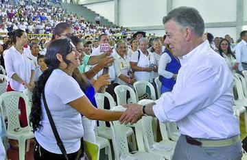 Santos deja el poder sin lograr  tregua con el ELN en Colombia