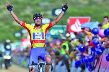 Alarcón vence la etapa reina de la Vuelta a Portugal y consolida su liderazgo