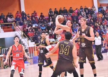 Pichincha pierde ante Peñarol y baja al tercer lugar de la Libo