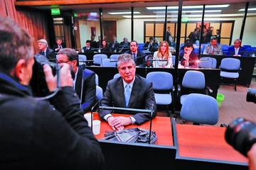 Condenan por corrupción a un exvicepresidente en Argentina