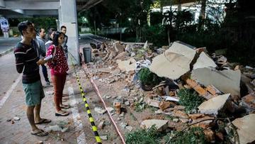 Miles de afectados esperan ayuda y apoyo en Indonesia
