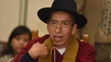 Cusi anuncia que postulará para fiscal general del Estado