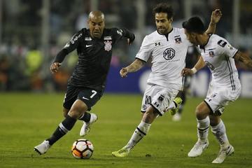 Colo Colo vence al Corinthians por la mínima diferencia