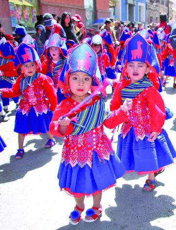 40 fraternidades bailan hoy fiesta de Mini Ch'utillos