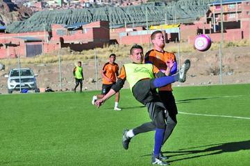 Real empieza a preparar el cotejo que jugará ante Guabirá