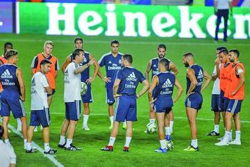 Real y Atlético ya están en Tallin para disputar la final de la Supercopa de Europa