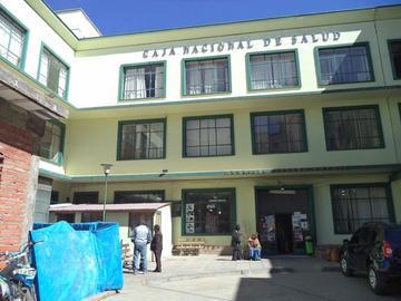 Los médicos de la CNS siguen en emergencia por conclusión de obras