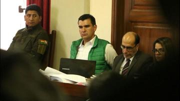 Justicia ratifica detención domiciliaria del alcalde Leyes por caso mochilas