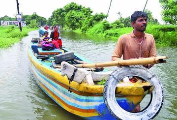 Se incrementan más fallecidos por las inundaciones en la India