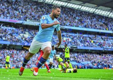 Agüero se luce en la goleada de Manchester City
