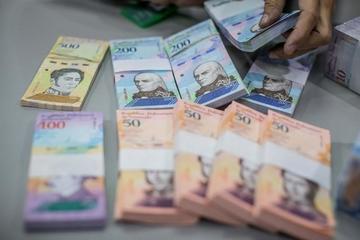 Gobierno venezolano afirma que su cambio monetario fue exitoso