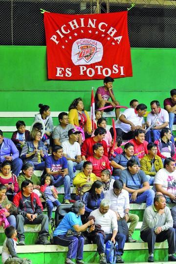 Hinchas de la vieja casona se trasladan  a Oruro para apoyar a su equipo