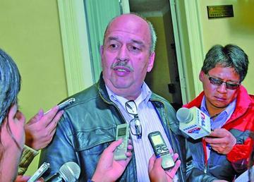 Opositores acusan al Tribunal Supremo Electoral de ser cómplice del MAS