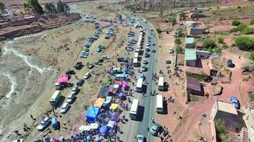 La población visita a San Bartolomé en La Puerta