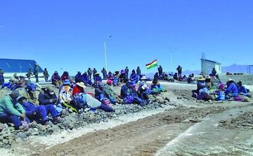 Convocatoria a reunión pone fin a un bloqueo de la planta de litio