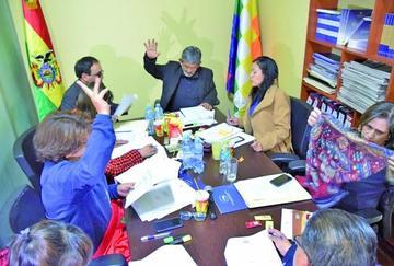 Comisión del Senado envía al pleno la ley de organizaciones políticas