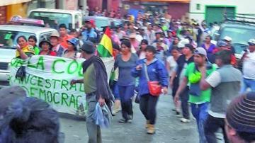 """La marcha llega a Chulumani con el grito de """"¡Evo asesino!"""""""
