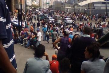 Apagones afectan Caracas y otras zonas en Venezuela