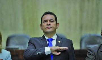 Una comisión analiza el desafuero del presidente de Guatemala