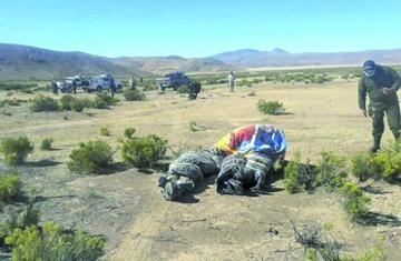 Hallan 4 cadáveres en bolsas de plástico en la carretera Oruro-Potosí