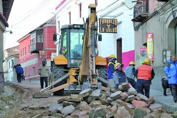 Alcaldía inicia trabajos en la calle Bustillo y se avanza hacia el centro