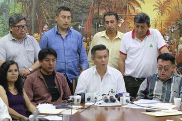 Cívicos prevén resistencia si sigue la intención de repostular a Evo