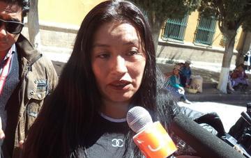 Trabajadores de EMAP marchan en contra de la exgerente Mamani