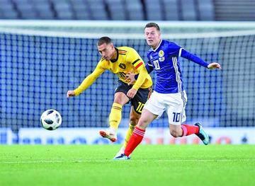 Bélgica mantiene su idilio con buen fútbol y gana con solvencia a Escocia