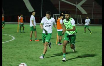 Farías mantiene hermetismo sobre el posible equipo titular
