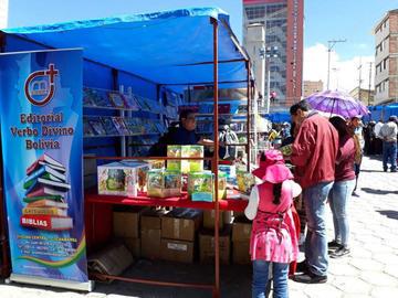 La feria del libro logra 40 mil visitantes en Llallagua