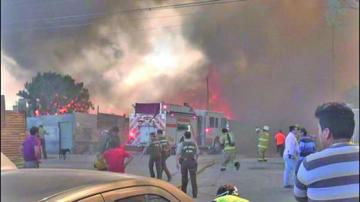 Calama: un incendio deja al menos 70 bolivianos damnificados y 3 heridos