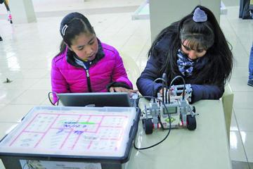 Olimpiada de robótica congrega a 135 equipos de alumnos de Potosí