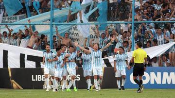 Atlético Tucumán recibe al campeón defensor Gremio